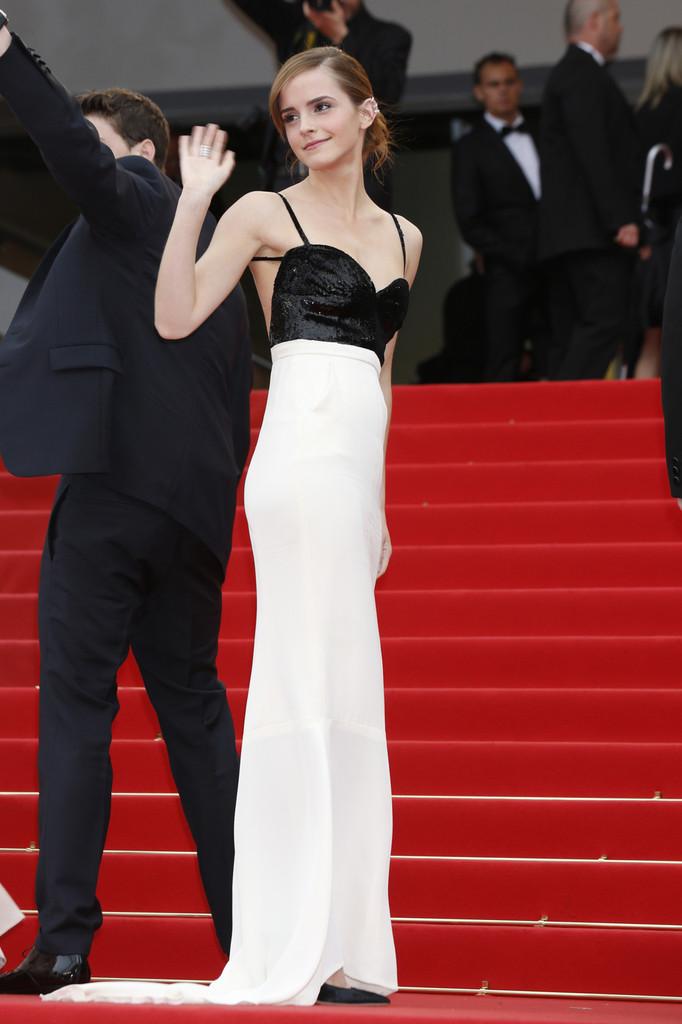 Emma+Watson+Jeune+et+Jolie+Premieres+Cannes+m1jKmj9Tqa8x
