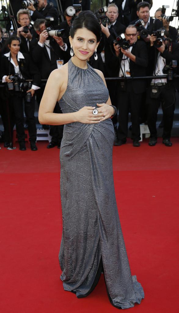 Hilaria+Baldwin+Blood+Ties+Premieres+Cannes+dPwVT_ywx_Px