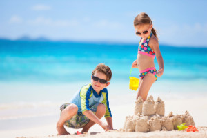 Vacanze-con-bambini-pro-e-contro-di-mare-e-montagna