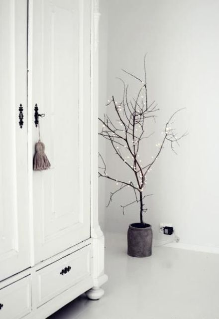 minimalist-christmas-decor-ideas-3_www.digsdigs.com