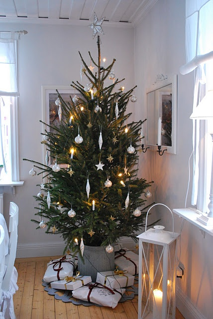 minimalist-christmas-decor-ideas_www.digsdigs.com