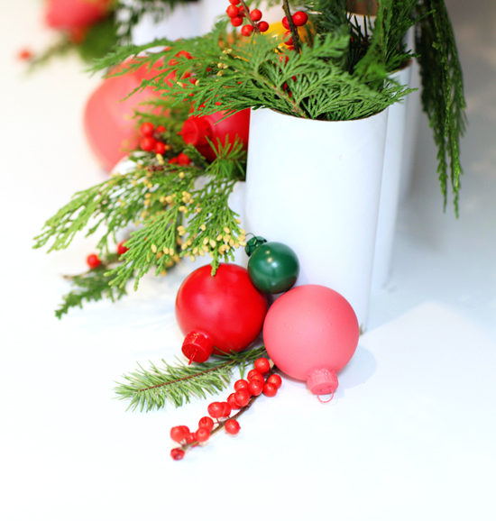 bash-ornaments-centerpiece_designlovefest.com