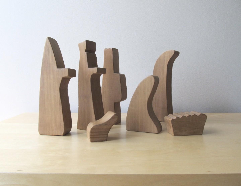 presepe-con-statuette-di-legno_www.designmag.it