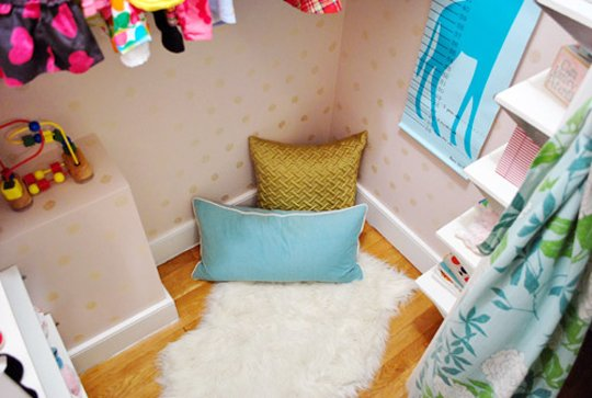 apartmenttherapy.com:closet-reading-nooks9