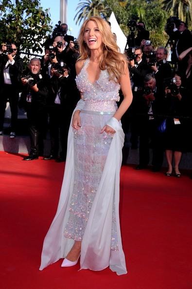 Blake+Lively+Mr+Turner+Premieres+Cannes+Sb_UDrSvy_1l